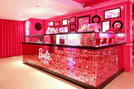 Barbie Cafe  5 WACKY AND THEMED RESTAURANTS 4 barbie cafe