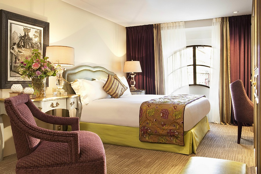 hotel-Hotel-La-Maison-Favart-10  Luxury Hotel Interiors with an 18th Century Twist hotel Hotel La Maison Favart 10