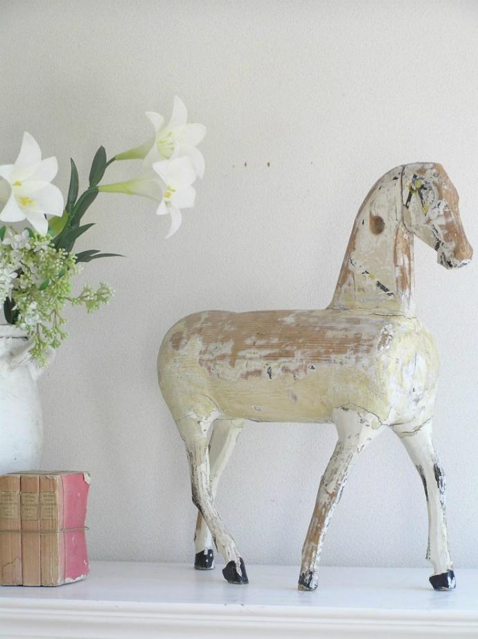 shabby chic trend_horse  Interior Design Trends: Shabby Chic Style shabby chic trend horse