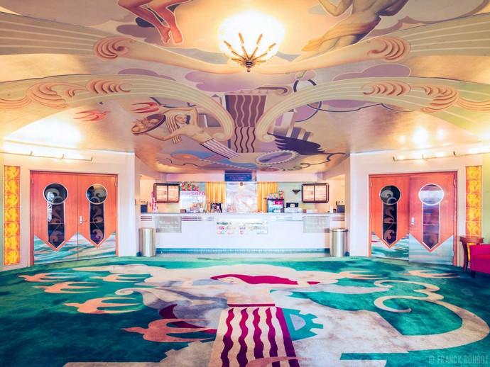 Top-25-Cinemas-Design-Around-The-World-15  Top 25 Cinemas Design Around the World Top 25 Cinemas Design Around The World 15
