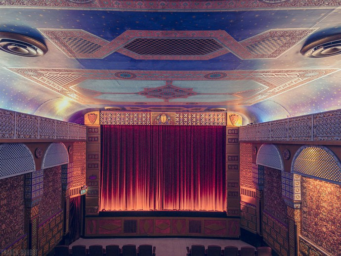 Top-25-Cinemas-Design-Around-The-World-21  Top 25 Cinemas Design Around the World Top 25 Cinemas Design Around The World 21