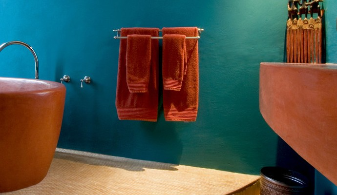 Incredible Design Ideas to Apply in Small Bathrooms 4