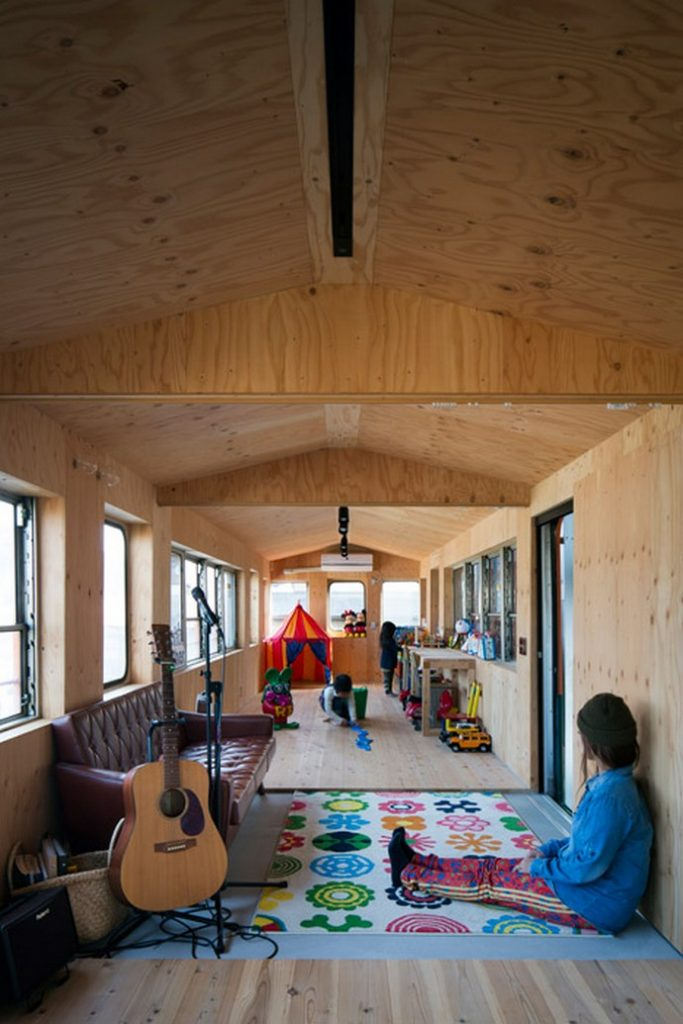 Incredible Home Built Around a Train Carriage 3